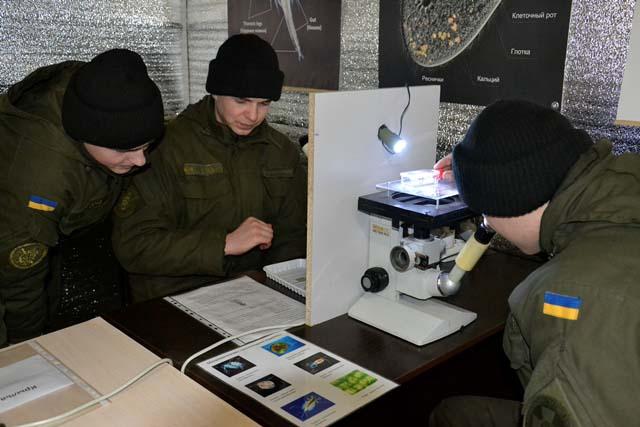 На ВДНХ зоопарк можно рассмотреть под микроскопом - DSC1004