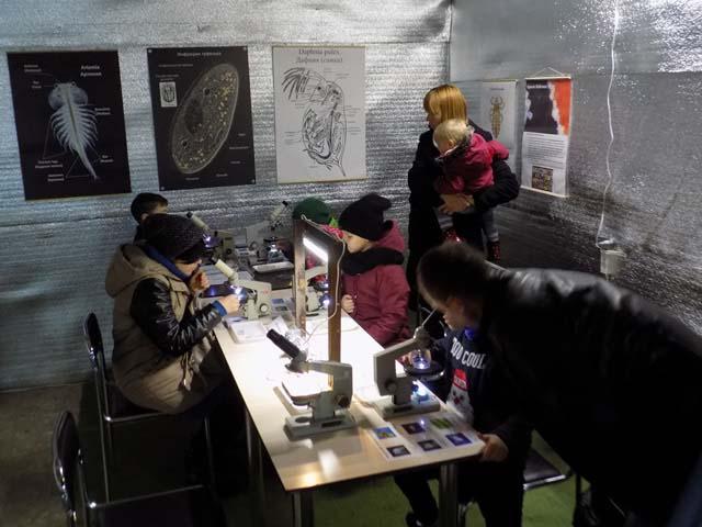 На ВДНХ зоопарк можно рассмотреть под микроскопом - DSCN1481
